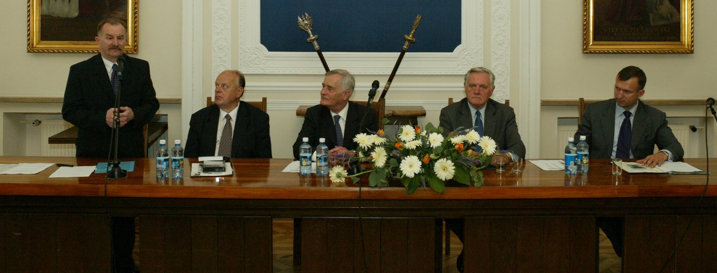 Inauguracja XII Wschodniej Szkoły letniej z udziałem prezydenta Valdasa Adamkusa, 2003 r.