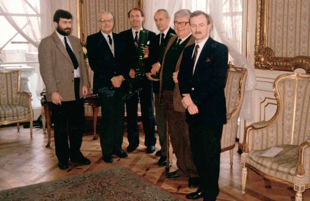Uroczystość wręczenia I Nagrody Przeglądu Wschodniego, 1993 r., Pałac Potockich UW, 24 lutego 1994 r. Od lewej: M.Karp, A. Gieysztor, S. Nicieja, E. Małachowicz. T. Jaroszewski, J. Malicki.